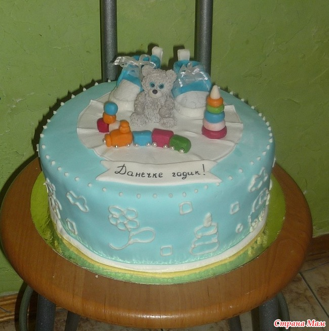 Бисквитный торт девочке на годик