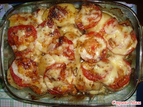 Запечь курицу с картошкой в духовке слоями
