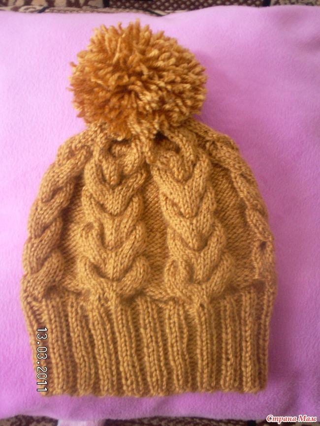 Связать спицами шапку с косами и помпоном спицами