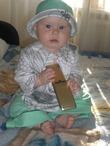 Гламурные девчонки ходят только с золотыми Нокиа))))