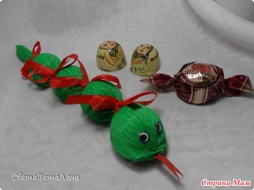 Поделки с конфет своими руками для детей