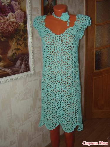 Платье связано крючком, в
