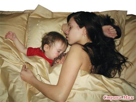 Порно брат трахнул спящую мать