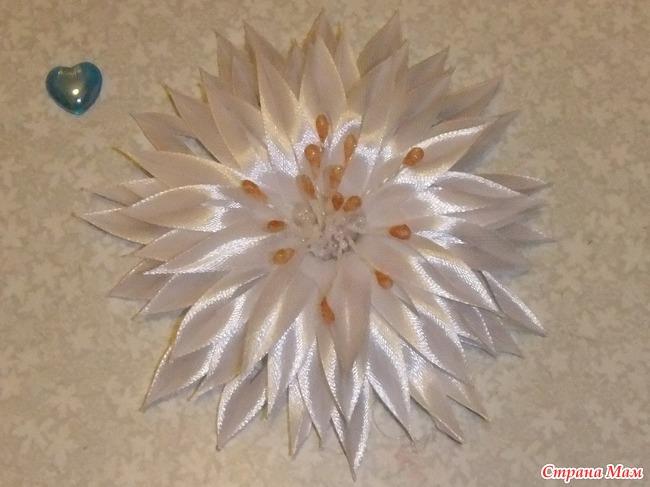 Цветочки из тонкой ленточки