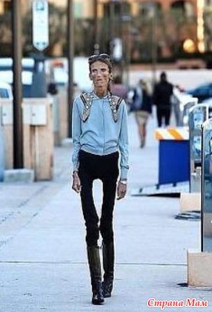 Очень худенькие ножки и попка девочек в джинсах фото 97-793