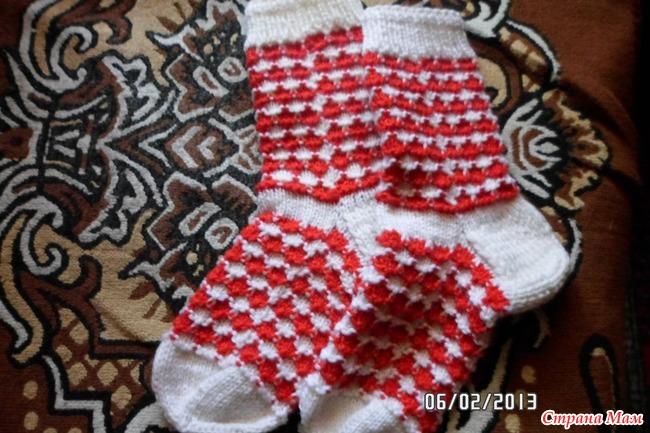 Вяжешь внученьке носочки