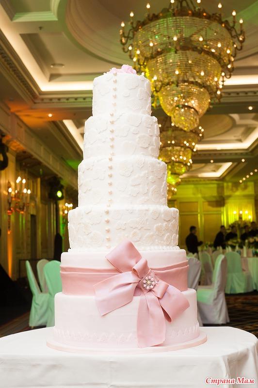 Огромный торт фото на свадьбу