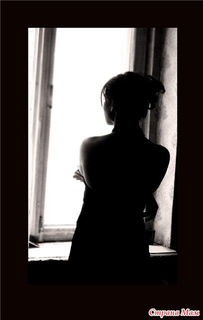 красивые фото девушек брюнеток в полумраке