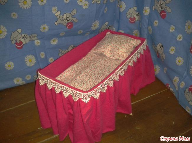 Как сделать кровать для пупса своими руками видео