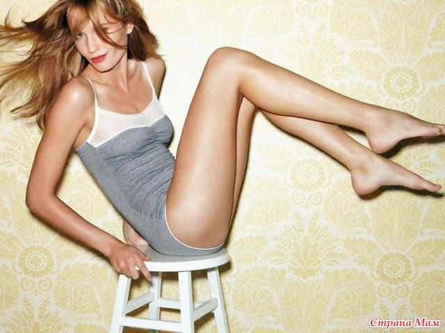 Обои ножки, молоденькая, Стул, блондинка. обои 960x800 ножки, молоденькая,
