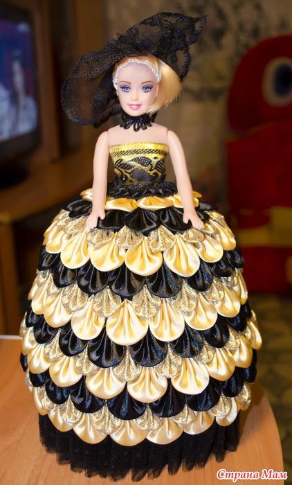 Платье для куклы из атласной ленты своими руками 14