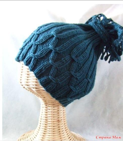 необычную шапку без схемы.