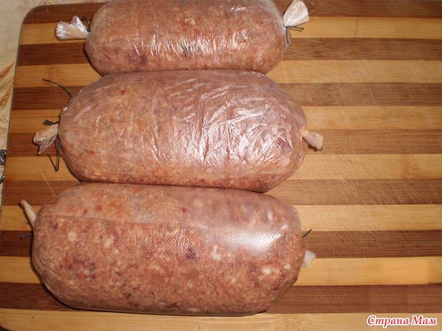 Приготовить колбасу в домашних условиях из фарша