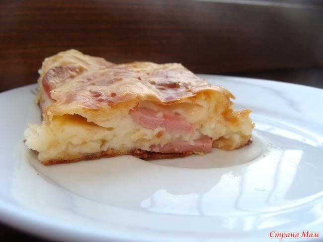 Рецепт пирога на кефире с сосиской