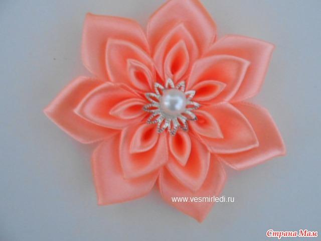 Цветок из лент атласных лент мастер класс