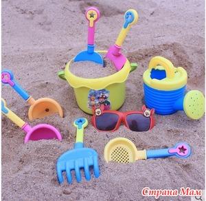 Собираемся на прогулку: какие игрушки взять с собой?