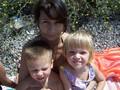 Кристина и Ваня с Викой на пляже