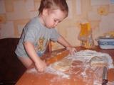 Мама, на кухне спешке не место