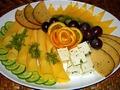 Сыр на столе