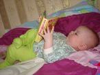 Мы хотим получить PocketBook книгу потому что  мы очень любим читать,книга многофункциональная,это отличный подарок,мы любим путешествовать а в дороге книга не заменимый друг!!!!