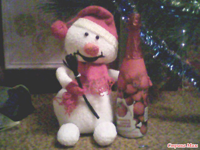Снеговик под елку