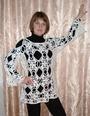 Белый пуловер из отдельных мотивов