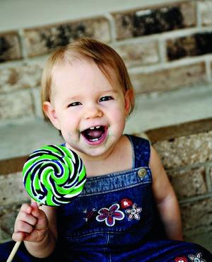 Почему дети любят сладкое?