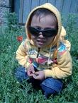 Яркое солнышко, пришлось надеть солнцезащитные очки)))))