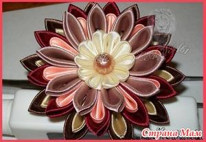 Пошаговая сборка многослойного цветка в технике канзаши.(фото)