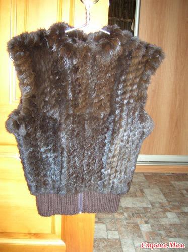 жилеточка вязанная с мехом кролика вязание страна мам