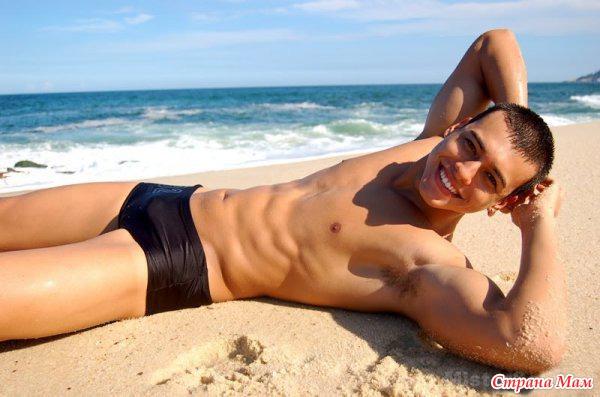 Парни в стрингах нф пляже