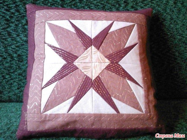 Диванная лоскутная подушка