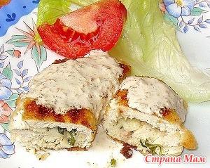 Жареные рулеты из куриного филе с сыром и зеленью