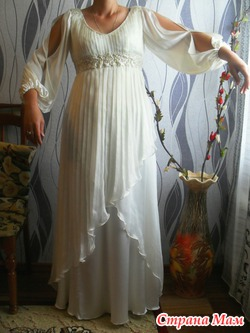 продам свадебное платье из натурального шелка(торг)