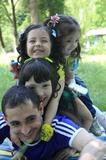 Папа и дочки)))