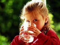 Выбор напитков для детей в летнее время.
