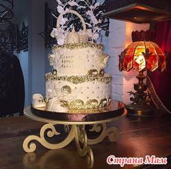Подставка под свадебный торт