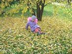 Вероничка в осеннем парке