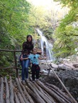 Мы с Ладусей на водопаде Джур-Джур, Крым. Октябрь 2014)