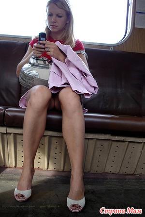 Фото мамочек без трусов в транспорте