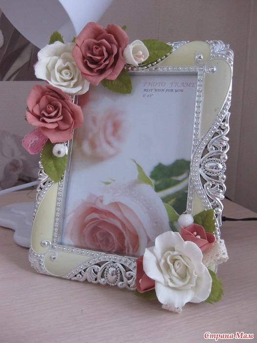 розы из фоамирана для рамки с фото выглядят стильно помогают