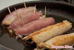 . Рулетики из свинины с беконом и сыром