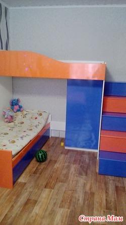 Детская кровать-чердак. Яркая, красива и удобная.