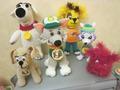 Началась подготовка к Новому Году, вяжу на подарки символ года-Собачек. Вот такие собачки  на сегодняшний день ждут новоселья на Новый Год  в домах родственников, друзей и знакомых.