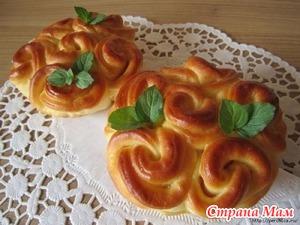. Кружевные булочки с колбасой