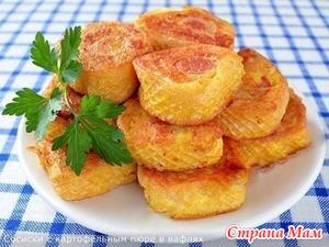 . Сосиски с картофельным пюре в вафлях