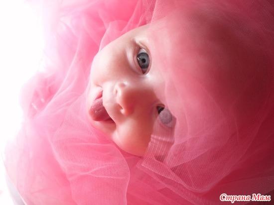 Доченька Ари в розовых облаках!!!!!