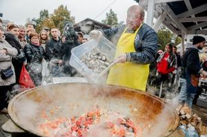 """На """"Рыбной неделе"""" в Москве приготовят большую уху из легендарных сардин иваси"""