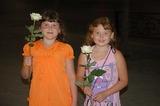 Девочкам нужно дарить цветы!