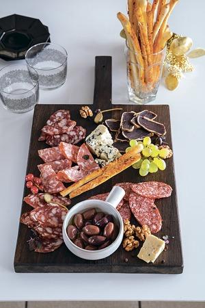 Не хлебом единым: мясные деликатесы на вашем столе